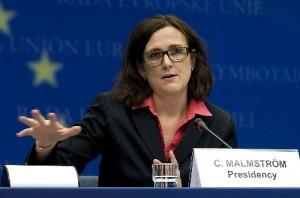 EU eyes end to visa-free borders