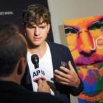 Ashton Kutcher Acts as Steve Jobs