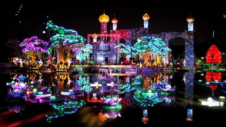 Dubai Garden Glow Park Opens