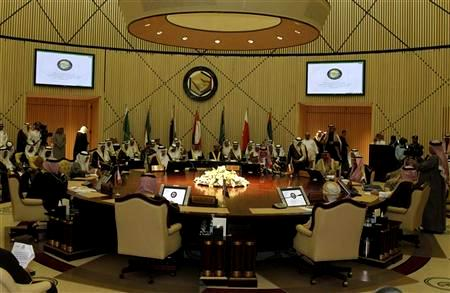 Gulf states to close embassies in Syria