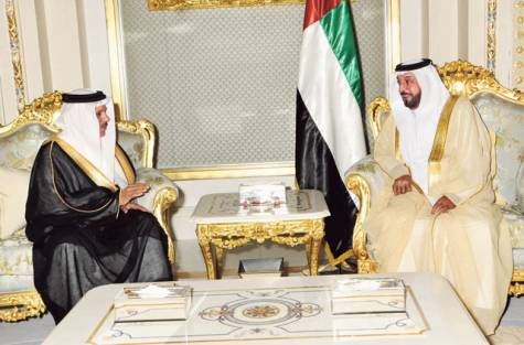 President Khalifa meets GCC Secretary General