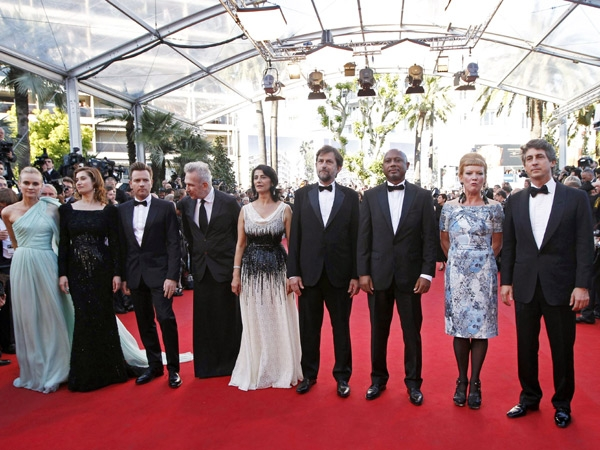 Stars dazzle at Cannes Film Festival