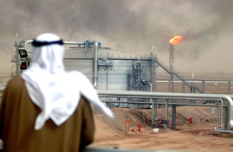 Saudis offers extra oil to control prices