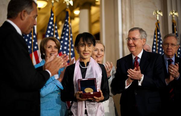US honors Suu Kyi, ends sanctions on Myanmar Leaders