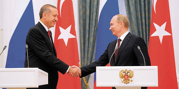 Putin Visits Turkey to Boost Trade & Energy Deals