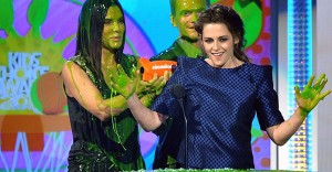 Depp, Stewart Win at Slimy Kids Choice Awards