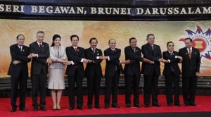 Japan, Asean Pledge to Boost Ties