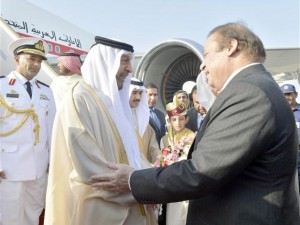 Sheikh Khalifa meets Pakistani PM