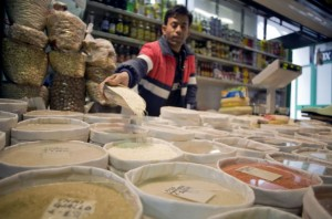 Global food prices down after 3 months: FAO