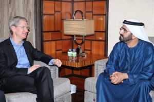 Sheikh Mohammed receives Apple CEO