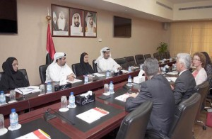 Sheikh Lubna discuss cooperation with British official