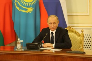 Putin ratifies east-route gas pipeline agreement with China
