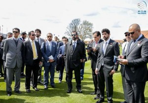 PM attends English 2000 Guineas Classic