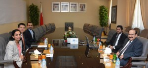 Electricity minister receives IMF delegation
