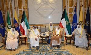 Kuwaiti Amir receives Bahraini oil minister