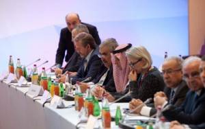 Bahrain's FM participates in Paris Peace Conference