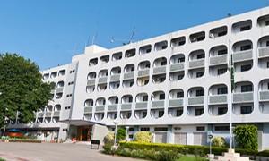 Pakistani official receives envoys