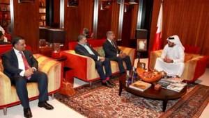 Khalid bin Hamad meets Pakistani delegation
